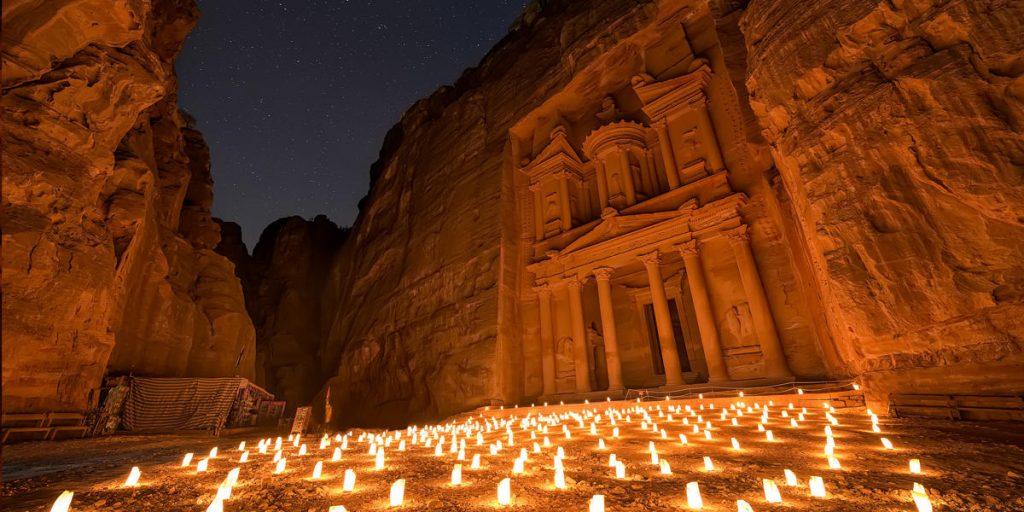 Petra, Iordania; sursa: www.goeliteclub.com