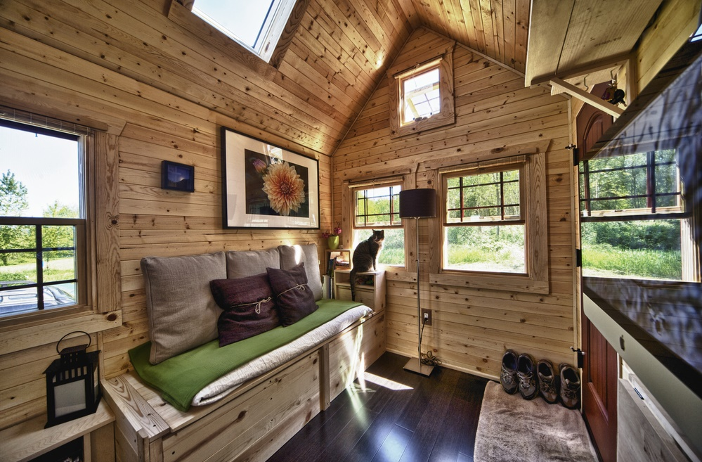 Model interior cabană; sursa: https://www.tinyhouse-design.com